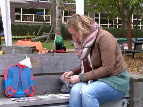 Speeltuin Monnickendam ontvangt cheque van Deen