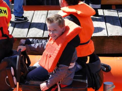 25e KNRM Reddingbootdag op Marken: zon, lekker briesje en natuurlijk varen