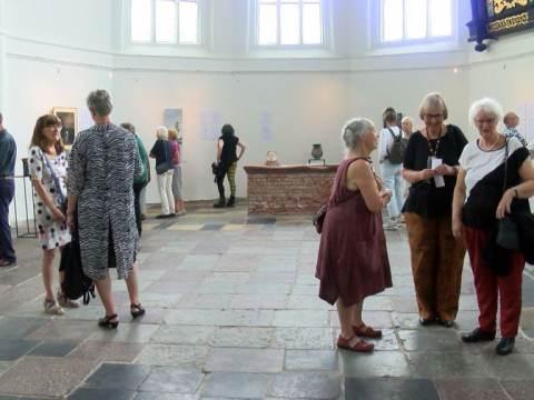 Tentoonstelling 'Als beelden gaan spreken' geopend door Philine van der Vegte