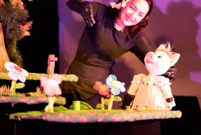 Theater Koekla presenteert de drie biggetjes
