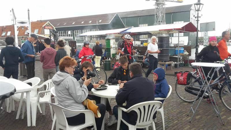 Monnickendammer Visdagen verrassen toeristen