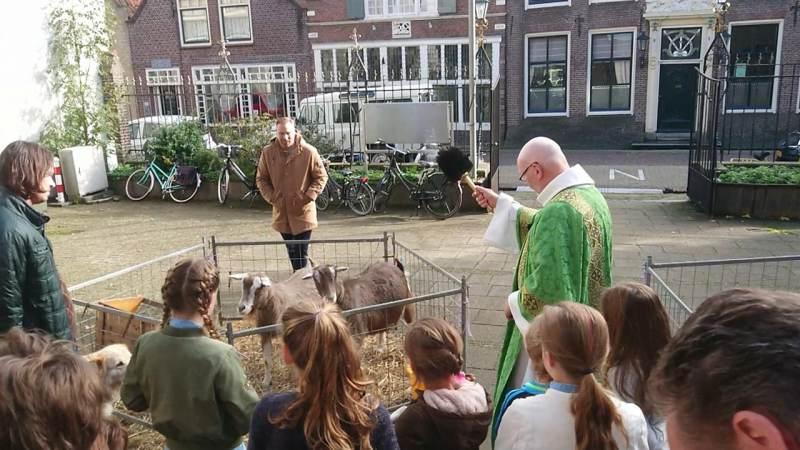 Dienst in katholieke kerk Monnickendam in teken van Dierendag