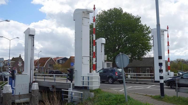 Bernardbrug in Monnickendam gestremd van 17 - 19 maart