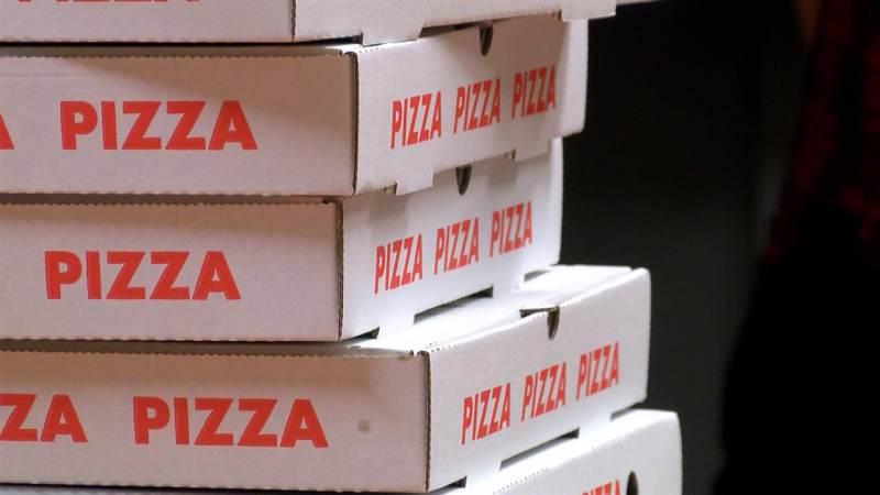 Veel jongeren komen af op avond Politiek en Pizza in De Bolder