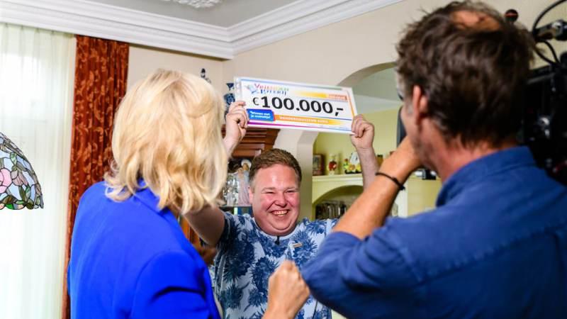 Bert uit Ilpendam wint 100.000 euro in VriendenLoterij