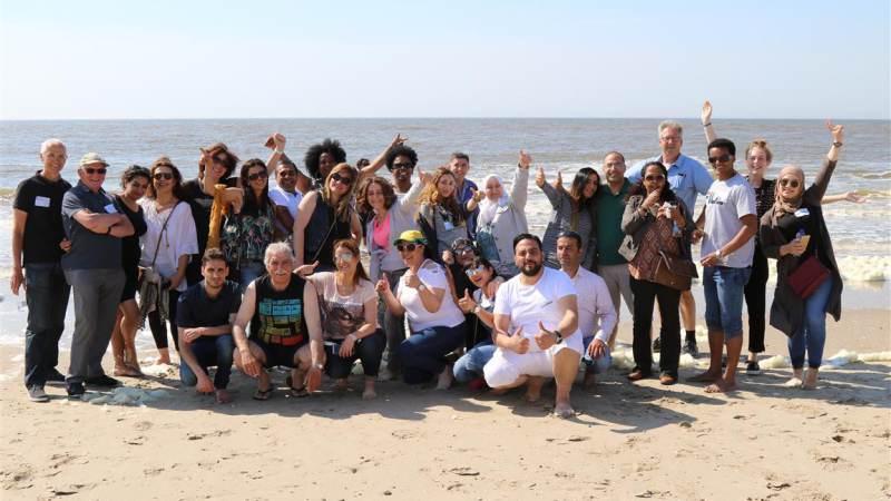 Leden Rotary Monnickendam op stap met vluchtelingen uit de gemeente Waterland