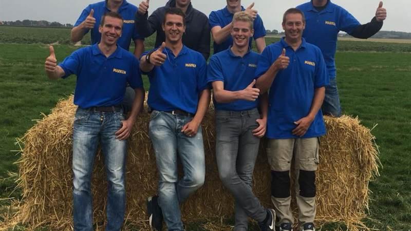 'De Stro Beren' uit Marken derde bij NK Stro laden 2018