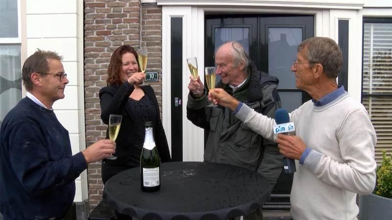Monnickendam weer prachtige gevelsteen van Herman van Elteren rijker
