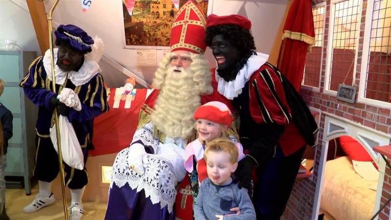 Sinterklaas checkt in bij De Speeltoren