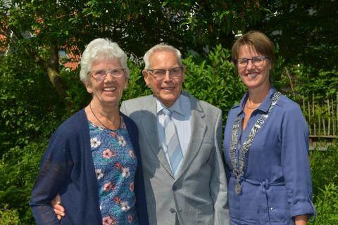 Echtpaar Den Rooijen-Van Zaanen zestig jaar getrouwd