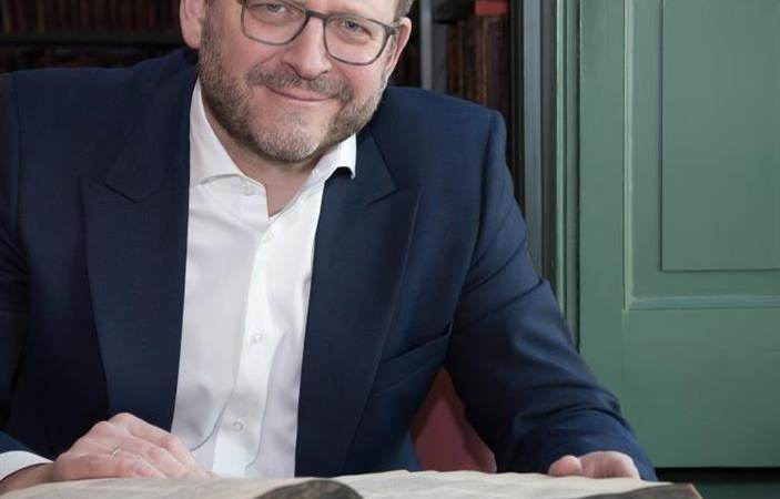 Waterlands Archief ontvangt prof. dr. Emile Schrijver met lezing over joodse boekcultuur
