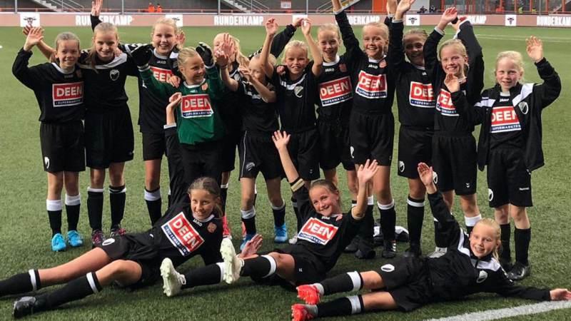 S.V. Marken MO11-1 wint met 6-0 in Kras stadion