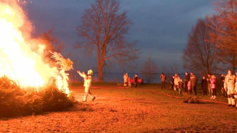 Geen kerstboomverbranding op het Hemmeland in Monnickendam