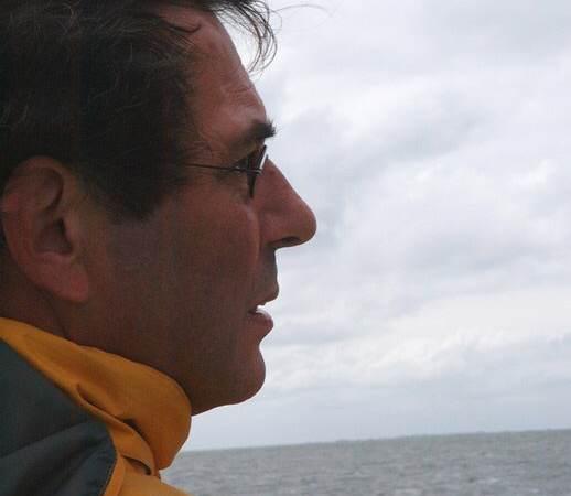 Eilandraad: In Memoriam Bert Bakker