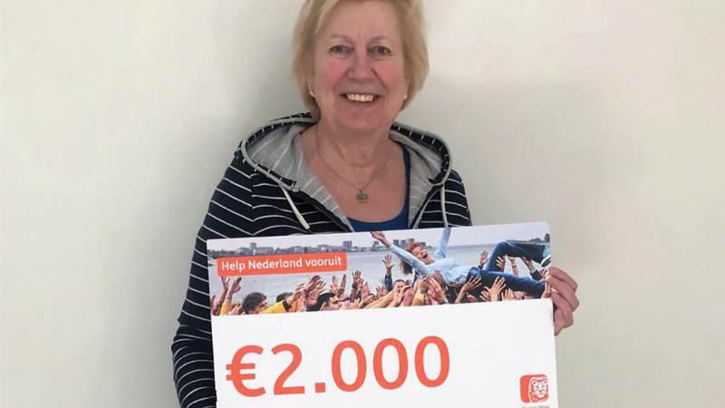 Dorpshuis Het Trefpunt krijgt cheque van € 2.000