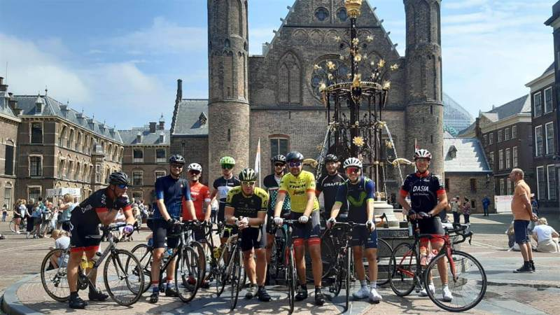 Marker Charity Ride voor MES en KWF