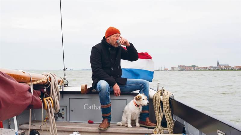 Rohald Terbijhe als 'de Kapitein van het Markermeer' in campagne Alliantie Markermeerdijken