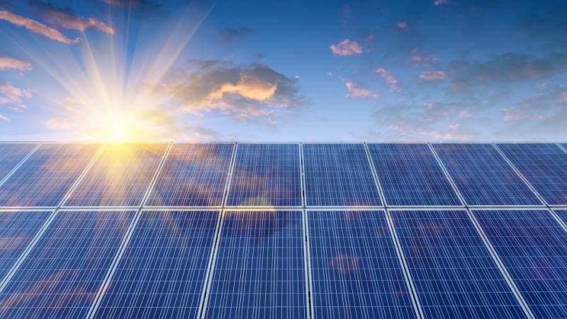 Zaanstreek-Waterland wil alle (grote) daken vol met zonnepanelen