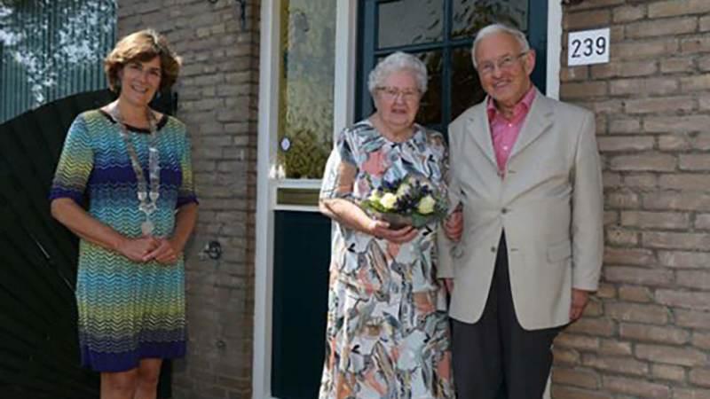 Echtpaar C. Bak en M. Bak-Karmelk zestig jaar getrouwd