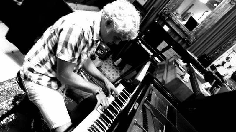 Anton Titsing neemt u mee naar zijn muzikale Russische roots