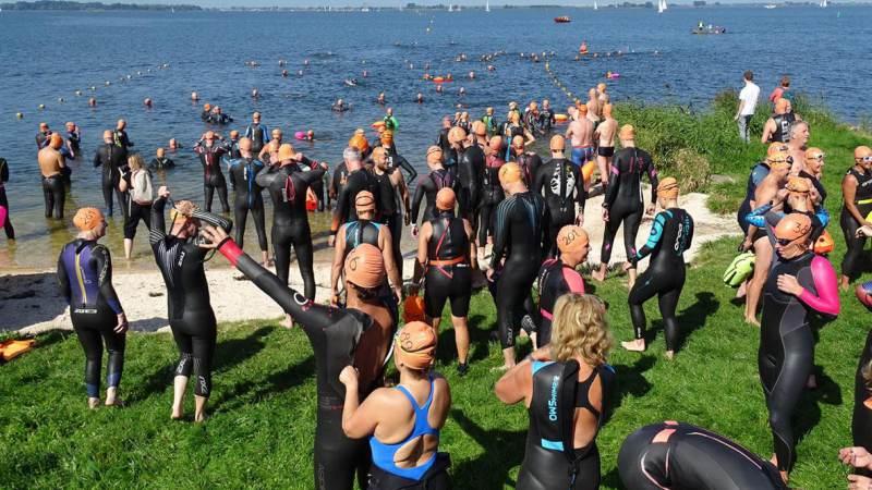 Jordy Kok wint Zwemmeland 2021; Nicky van Bruggen beste vrouw