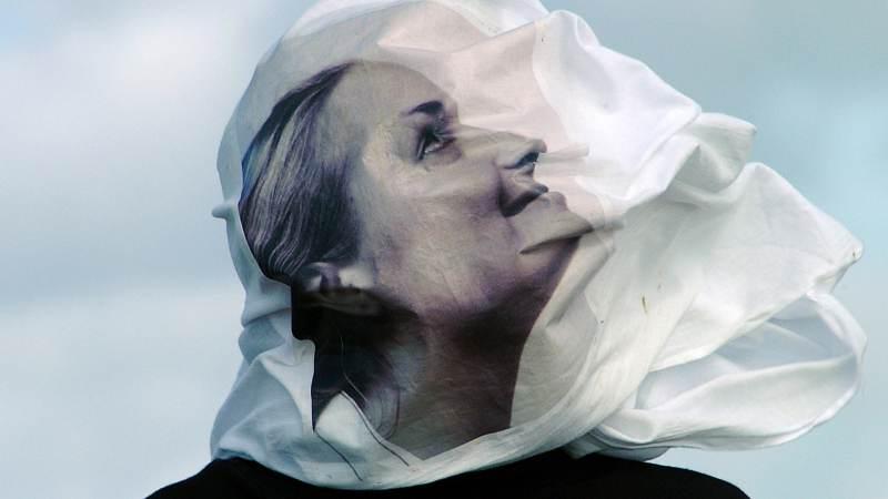 """Foto expositie """"Windsculpturen"""" in Waterlandsmuseum De Speeltoren"""