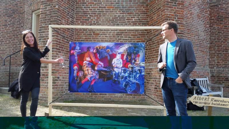 Neeltje Pater opent fototentoonstelling 'Huiskamer(s) in beeld'