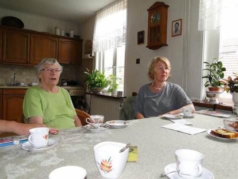 PvdA Waterland op bezoek bij jubilaris Cees Kaars