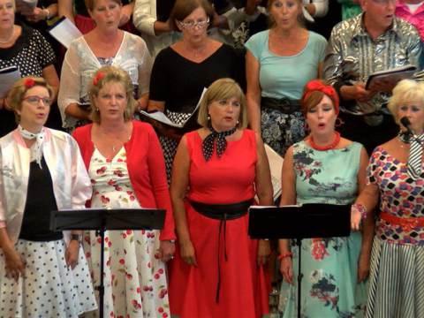RK Kerk tot de nok toe gevuld bij Elvis Herdenkingsconcert