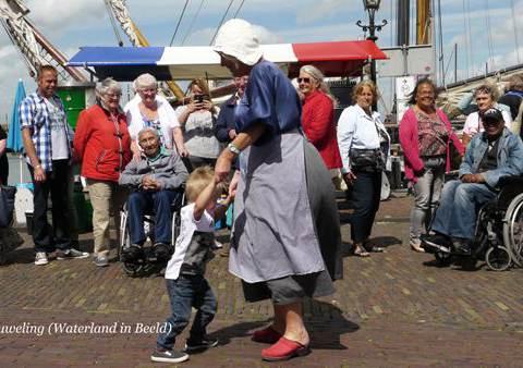 Zeemanskoor Ahoy (Abcoude) bij de Visdagen in Monnickendam