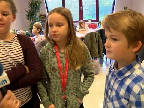Van Randwijkschool uit Ilpendam ontbijt met de burgemeester