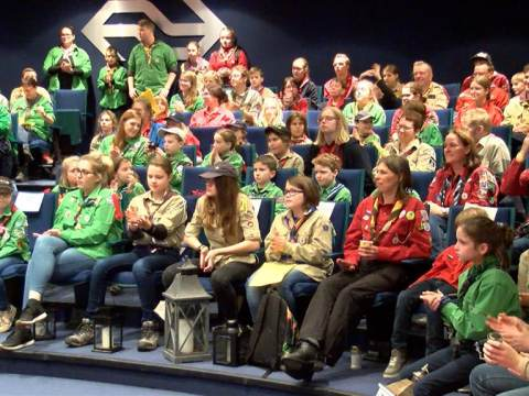 Scoutinggroep Waterland haalt Vredeslicht op in Utrecht