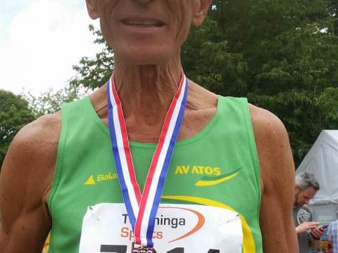 Bert Schalkwijk verbetert Nederlands record op 10 km