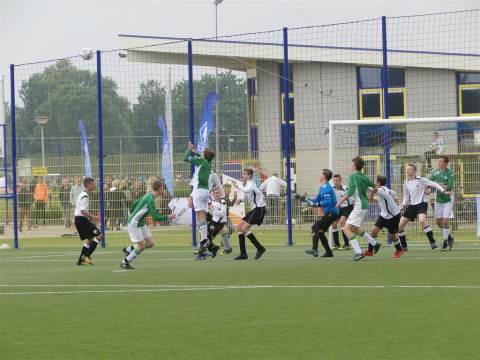 S.V. Marken JO15 wint de KNVB beker!