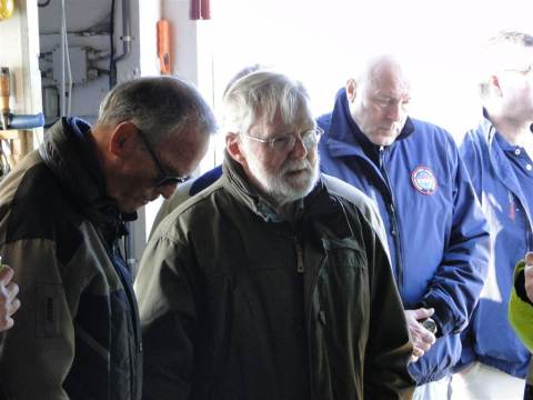 Trouwe KNRM donateurs in het zonnetje gezet bij station Marken
