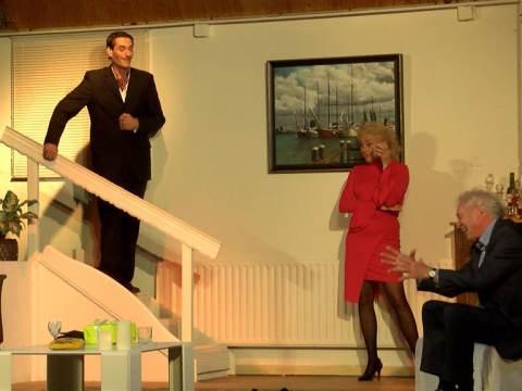 Dit weekend bij PIM genieten van de komedie Geruchten van toneelvereniging De Brug