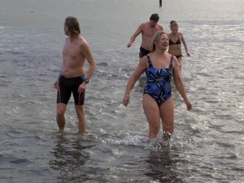 Recordaantal deelnemers aan Waterlandse Nieuwjaarsduik