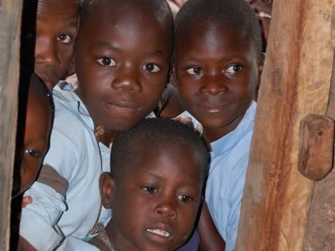 Harry Neijs bij Kerkplein Waterland; westerlingen als huisarts in Kenia