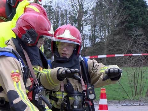 Brandweerspektakel tijdens Muus Tromp bokaal in Broek in Waterland