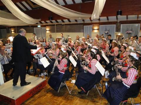 Donateursconcert 'Juliana' in teken van afscheid dirigent