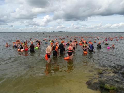Richard Huisman wint Zwemmeland 2019; Gijsbertine Mantel beste vrouw