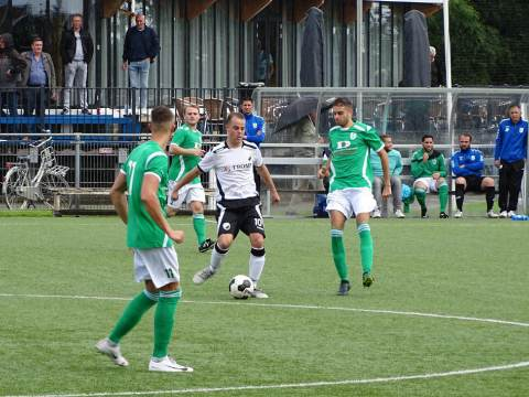 Monnickendam wint met 3-0 van SV Marken in Districtsbeker