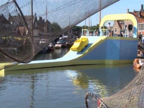 Heineken neemt reclamespotje op in de haven van Monnickendam