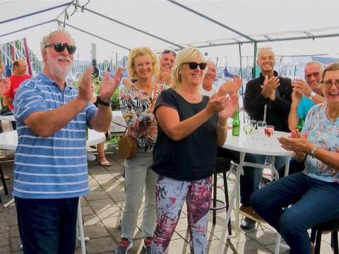 Martin Rinckes gehuldigd als Wereldkampioen Zeezeilen
