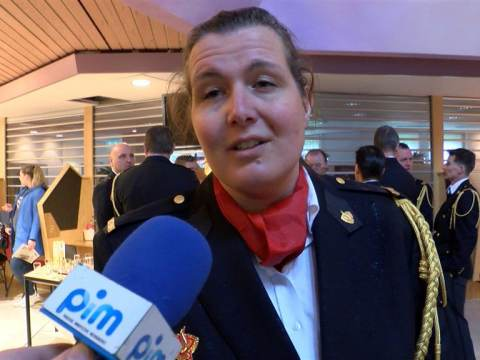 Brandweer Waterland op de foto met voormalig burgemeester Kroon