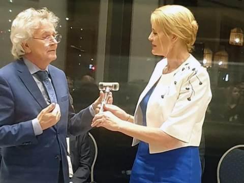 Luzette Kroon geïnstalleerd als dijkgraaf Wetterskip Fryslân