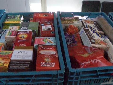 Waterlanders doneren aan de Voedselbank