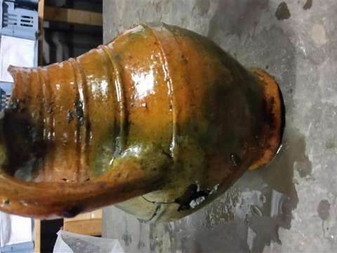 Archeologische Werkgroep Waterland druk met schoonmaken opgravingen Uitdam