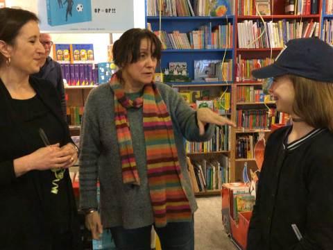 Kinderboekenambassadrice Sofie Peters opent kinderboekenhoek in Purmerend