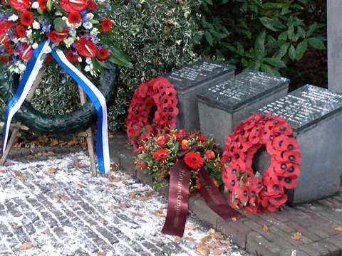 Ingetogen Remembrance Day in Monnickendam